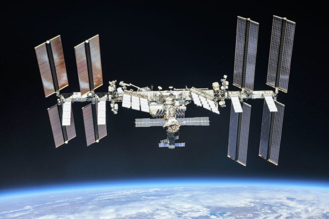ISS : source NASA